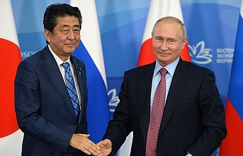 Putin agrees to peace deal with Japan by year end