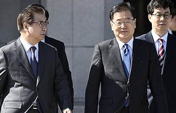 Seoul's envoy to embark on visit to Pyongyang