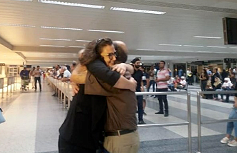Woman returns home from Egyptian prison