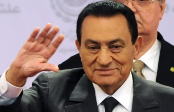 EU court rules to freeze assets of Mubarak's family