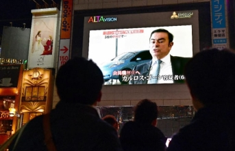 Japan court extends Ghosn detention