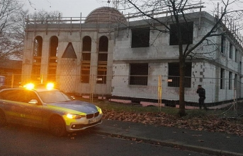 Mosque in western Germany vandalized with racist slurs