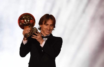 Real Madrid's Modric wins 2018 Ballon d'Or