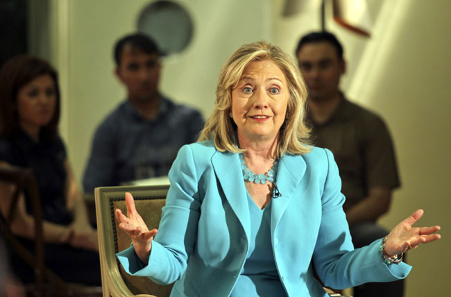 Hillary Clinton urges State Department to release emails