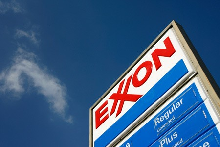 Exxon Mobil shares slump again on disappointing results