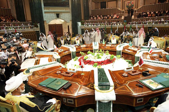 No resolution of Gulf Arab split after ministers meet