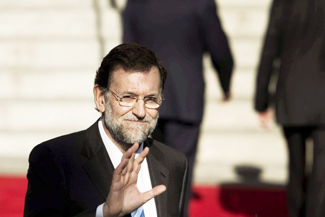 Spanish PM calls for Catalonia dialogue