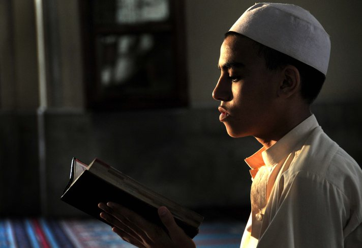 Malaysia aerospace students offered scholarship for memorizing Quran