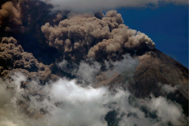 Volcanic eruption disrupts air travel in Alaska