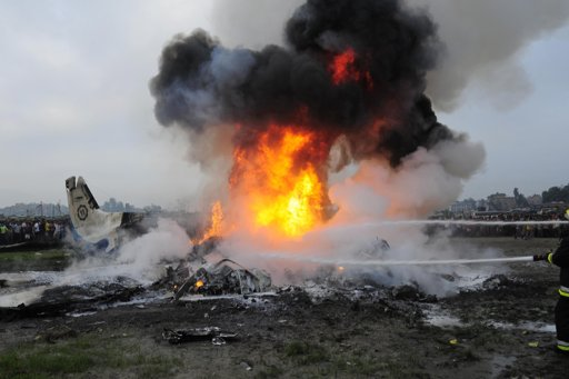 Plane crashes on anti-coca mission in Colombia