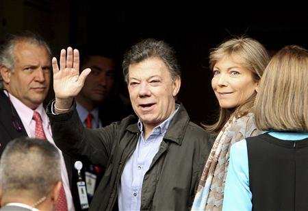 Colombians vote for president with peace talks in the balance
