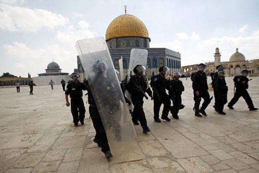 Foundation: 1,100 Israeli settlers defiled Aqsa Mosque in Oct