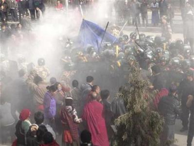 Rights groups say two dead following Tibetan protests
