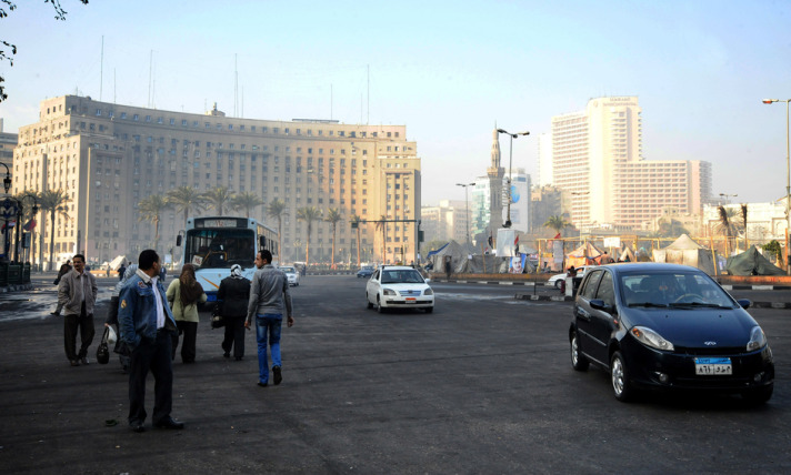 Egypt closes Tahrir Square following blasts