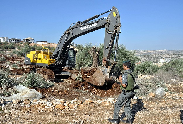 Israel bulldoze Palestinian home
