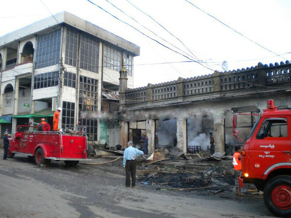 Buddhists attack mosque, Muslim shops in Myanmar