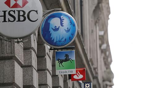 Top European banks close or sell 5,300 branches in 2013