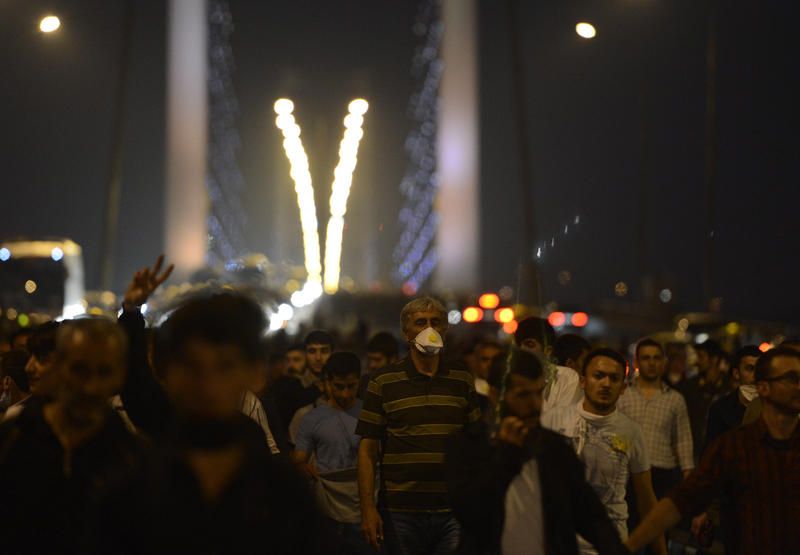 Protestors in streets after Gezi intervention-PHOTO
