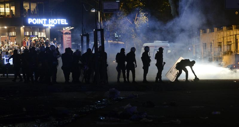 Turkish union to call general strike after Gezi
