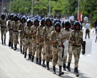 Egypt army denies capture of naval personnel