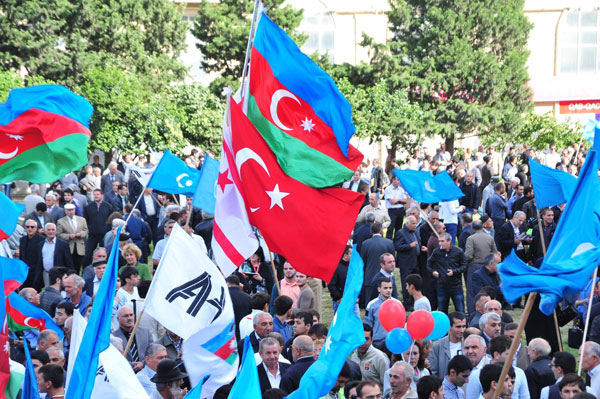 Azerbaijan 'supports' Turkey on Armenian issue