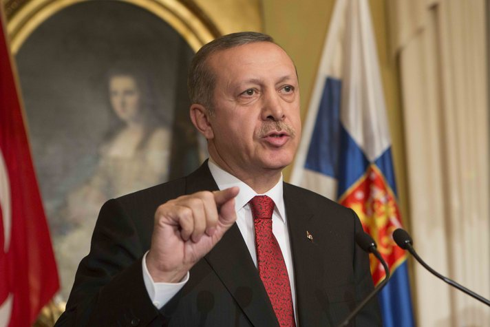 Erdogan airs Turkey's visa woes on EU visit