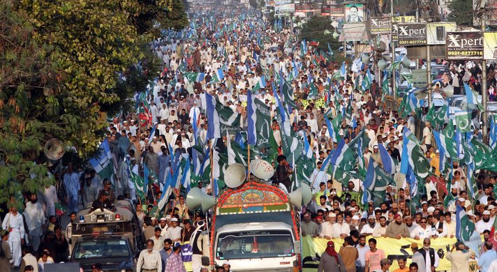 Pakistan braces for wave of protests, army secures capital