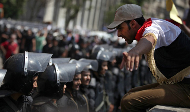 Activists stage rallies against Egypt protest law