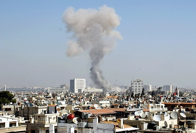 Suicide bomber blows himself up in heart of Damascus