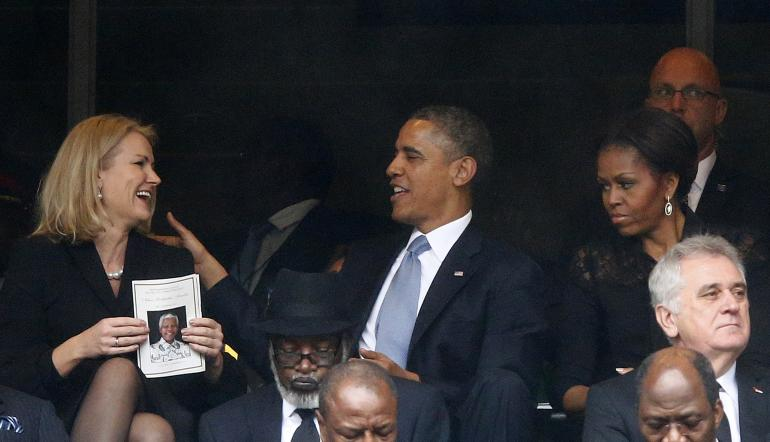 Obama criticised for 'selfie' pose
