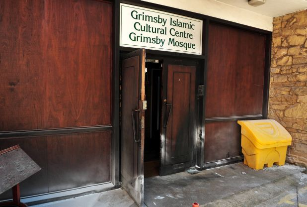 Ex-soldiers sentenced for bombing mosque in UK