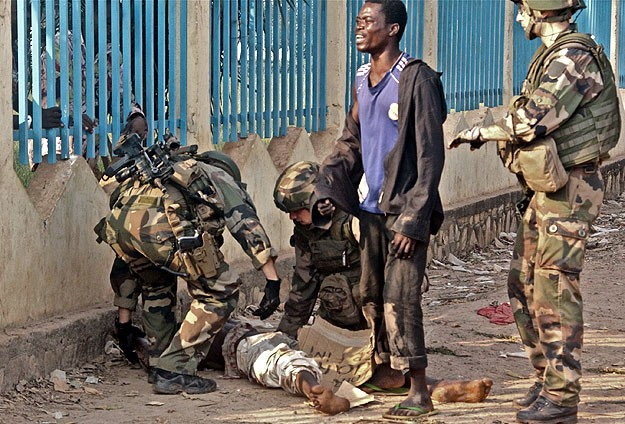 Peacekeepers clash with protesters in C.African Republic