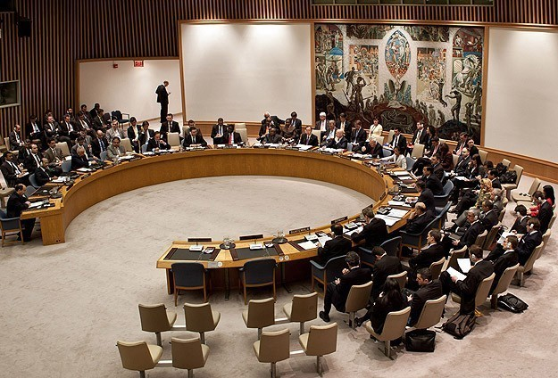 UN imposes arms embargo on Yemen Houthis