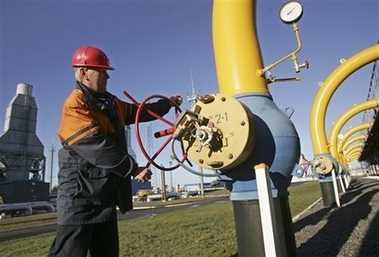 Russia warns of gas risks after Ukraine fails to pre-pay