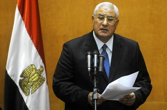 Egypt president accepts government's resignation