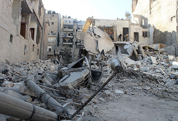 Rights group calls for UN arms embargo on Syria over barrel bombs