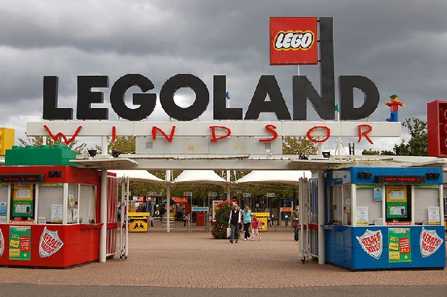 EDL to protest against Muslims at London theme park