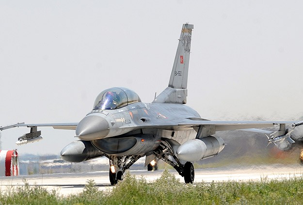 Turkish jets put on Syrian radar lock
