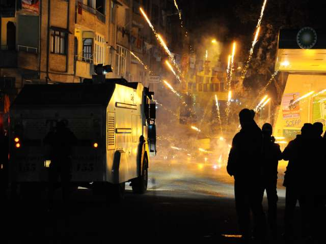 Turkish protester, police officer die in clashes
