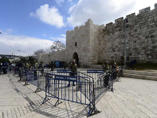 Israeli minister threatens to close Al-Aqsa to Muslims -UPDATED