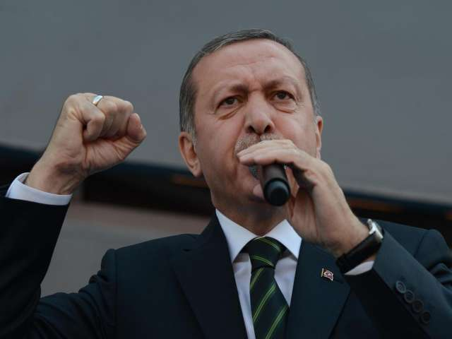 Erdogan: Local elections a choice between old and new Turkey