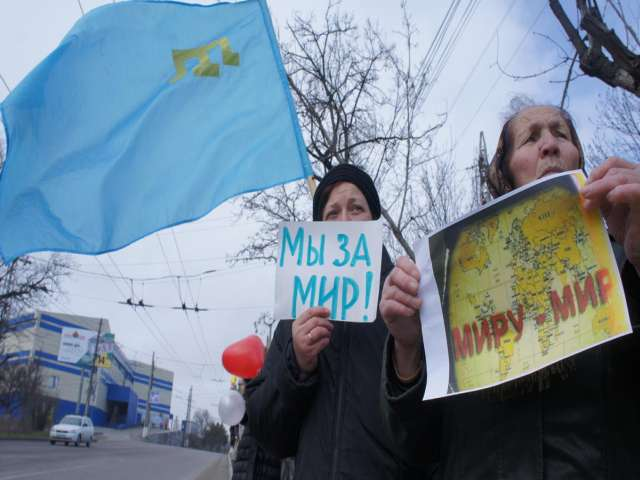 Crimean Tatars step back on planned referendum