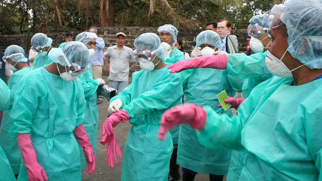 Japan helps to fight Ebola
