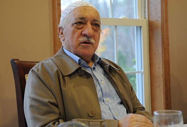 Turkey revokes Gulen's fradulently acquired passport
