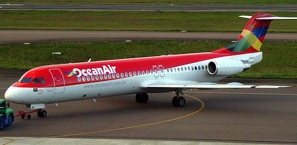 Brazilian plane makes emergency landing with no front wheels