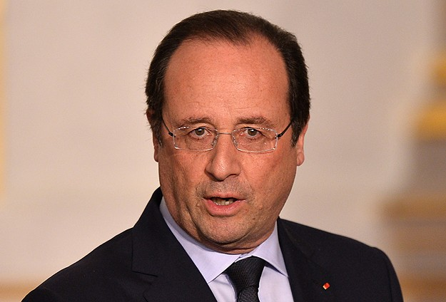 Hollande says Trump rule poses 'challenges' for Europe