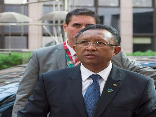 Air commodore named new PM in Madagascar