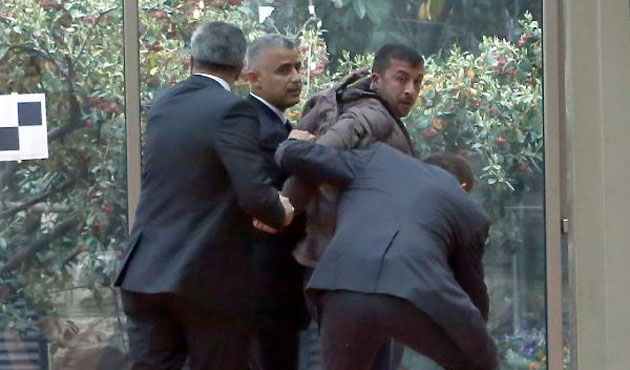 Turkish opposition leader attacked in parliament