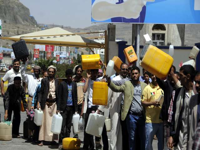 Yemen restoring fuel subsidy in face of protests