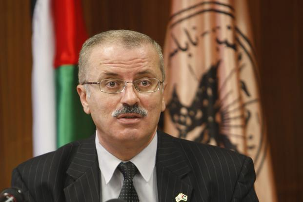 Hamdallah officially asked to form new Palestinian govt
